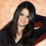 Selena Gómez aparece de sorpresa y canta a Dios en concierto de Hillsong