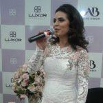 Aline Barros lanza colección de esmaltes y labiales